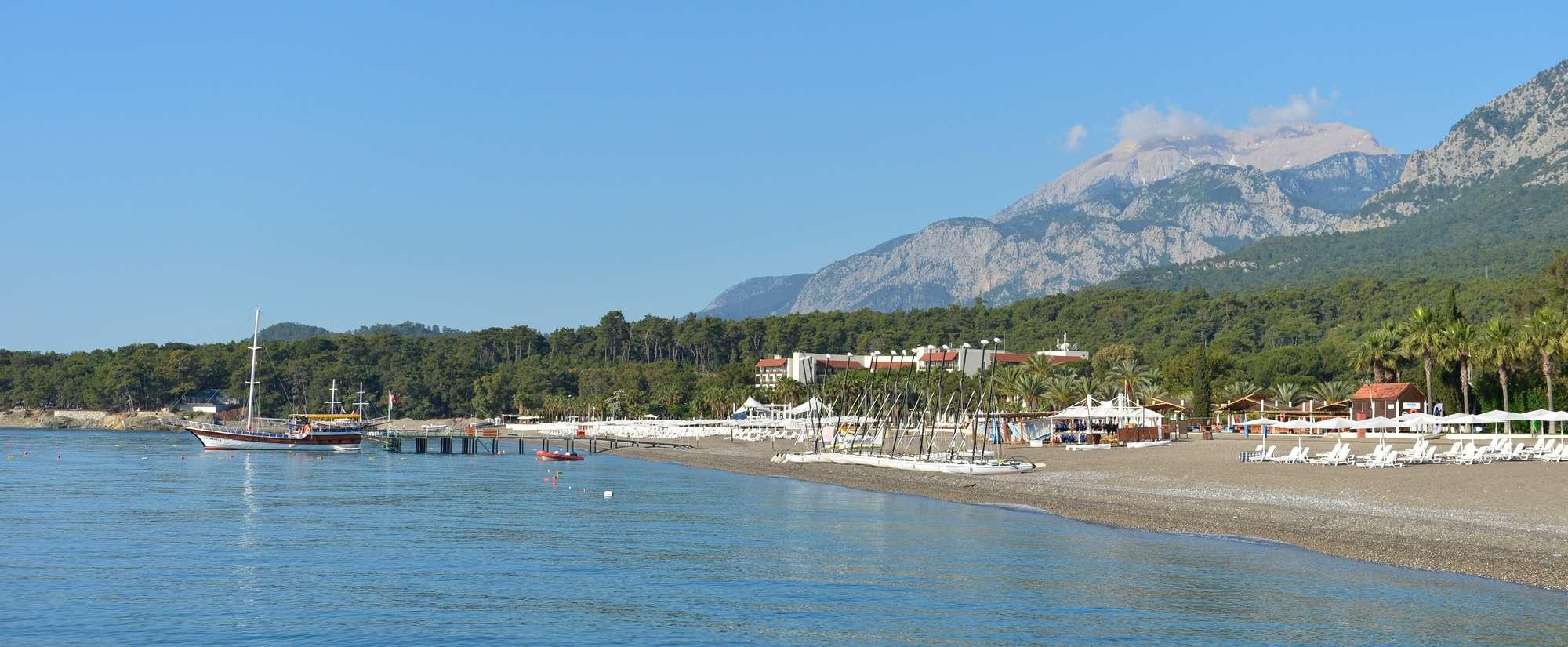 У Таврских гор на Средиземном море.