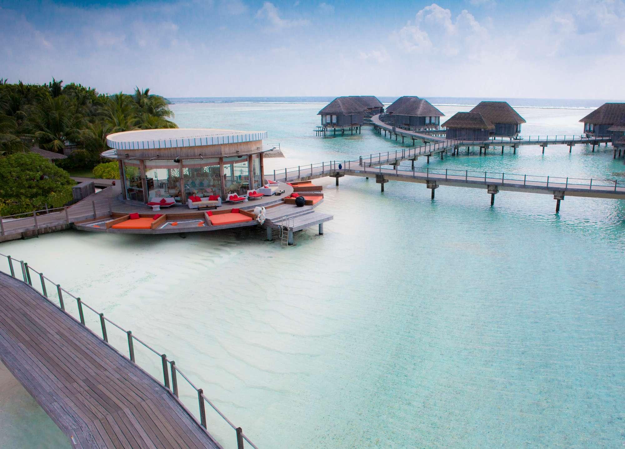Maldivler Su Üstü Villalar